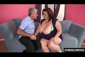An Older Guy Bonks BBW Lady Lynn in Her Mouth and Fat Pussy