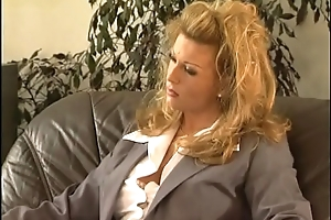 A blonde in heat is waiting be fitting of four hard cocks