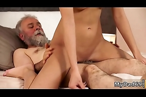 Hot mom and playmate'_s daughter blonde milf lesboss'_s sons alongside sex