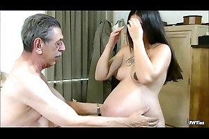 Logan Likes Her Older man HD