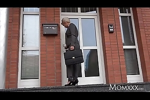 MOM Estate agent MILF wakes and fucks horny student